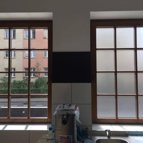 LODZIARNIA - zabezpieczenie okien przed wglądem do środka folią MAT MROŻONY zgodnie z wymogami sanitarnymi